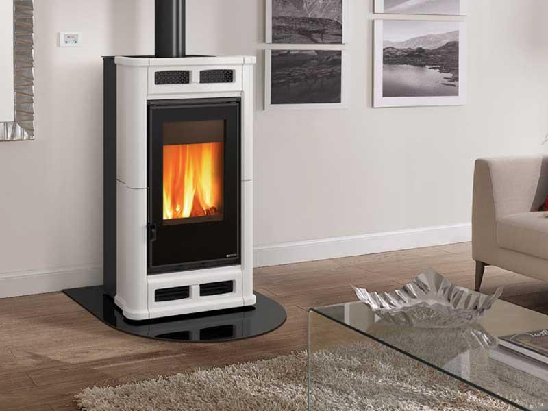 kaminofen 8 3 kw la nordica fl bianco kachelofen holz. Black Bedroom Furniture Sets. Home Design Ideas