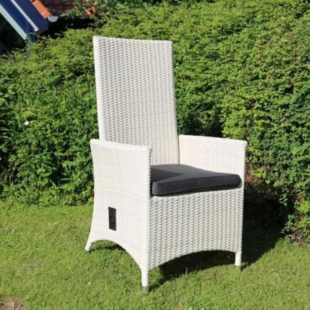 gartenst hle aus holz oder polyrattan f r jeden garten. Black Bedroom Furniture Sets. Home Design Ideas